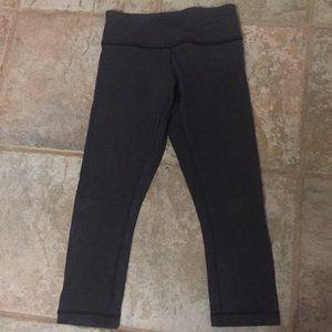 Lululemon charcoal gray leggings. Size 2-4